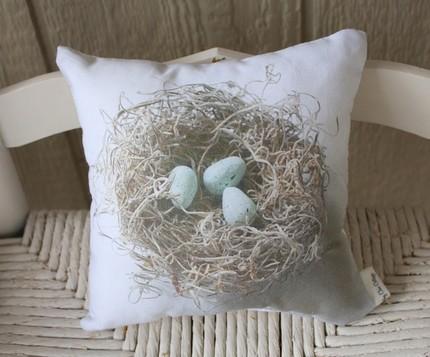 Birdsnest pillow