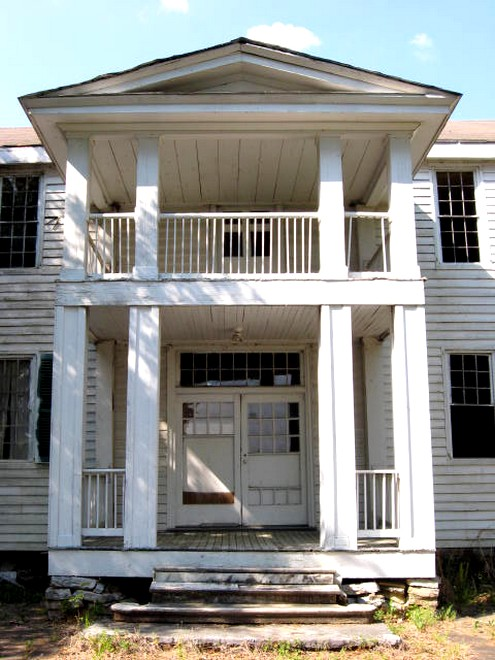 An 1800 39 s house in alabama southern hospitality for 1800s plantation homes