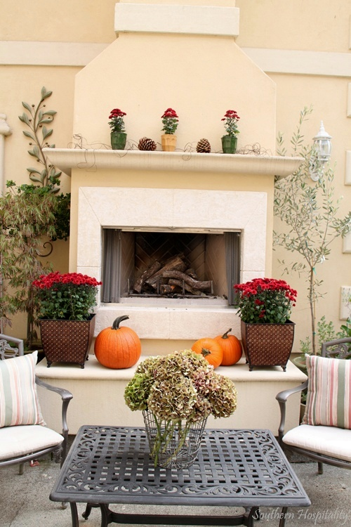 fall outdoor mantel