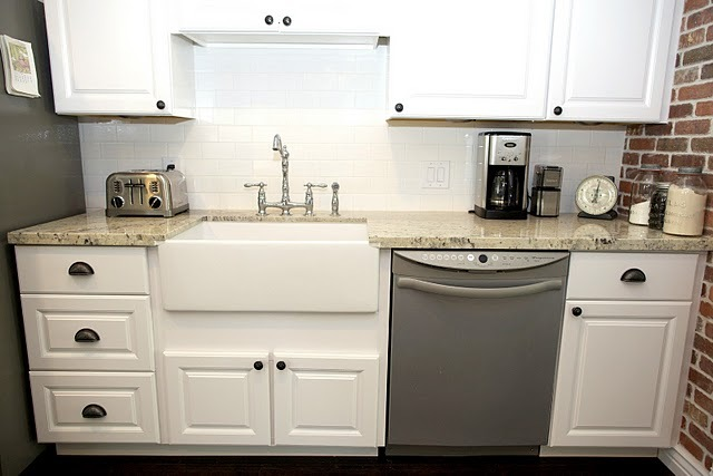 Farmhouse Sink White Cabinets : Lovely, simple white farmhouse sink and white cabinets.