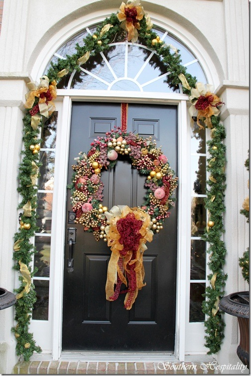 Debbie 39 s christmas house southern hospitality for Door garland christmas