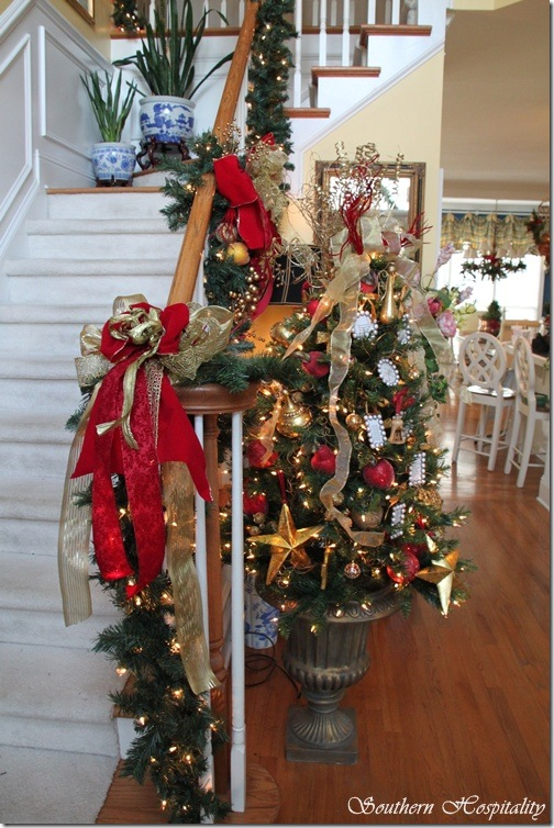 foyer tree