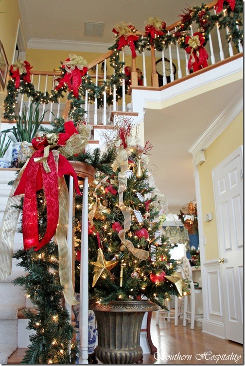 foyer tree and railing