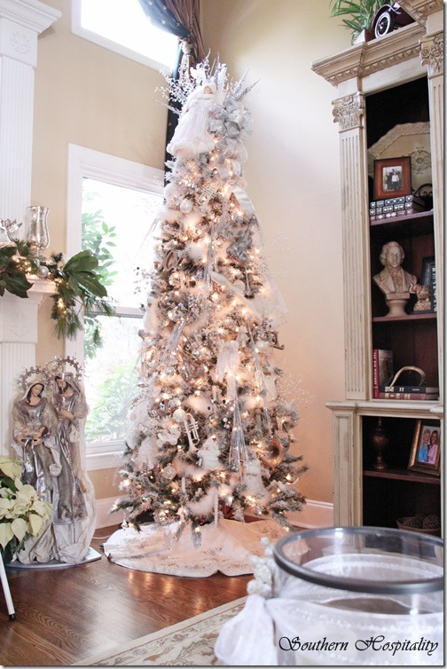 Merry Christmas A White And Silver Tree Southern Hospitality