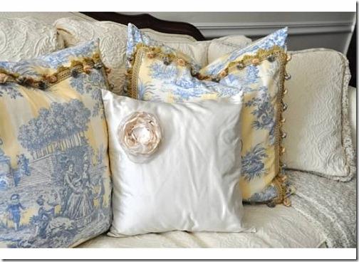 lr pillows