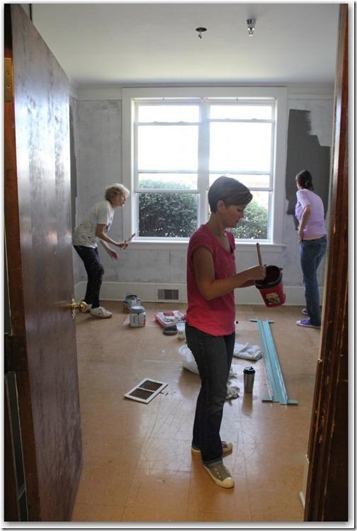 3 painting girls