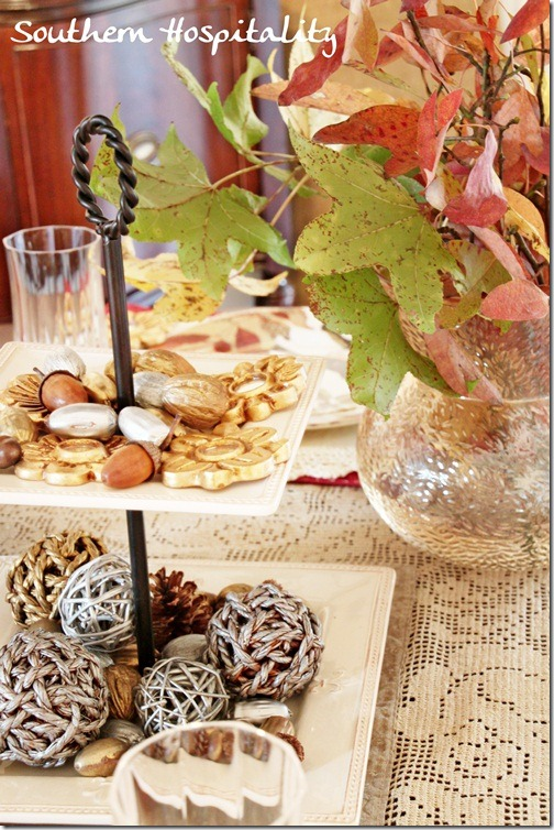 acorns pinecones Holiday Tablescape