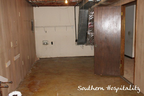 Ohter-end-of-Laundry-room-before.jpg