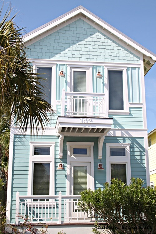 Carrillon beach cottages southern hospitality for Beach style house exterior