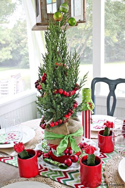 fun and festive christmas centerpiece southern hospitality - Diy Christmas Centerpieces