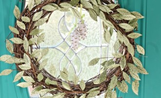 Making a DIY Christmas Grapevine Wreath