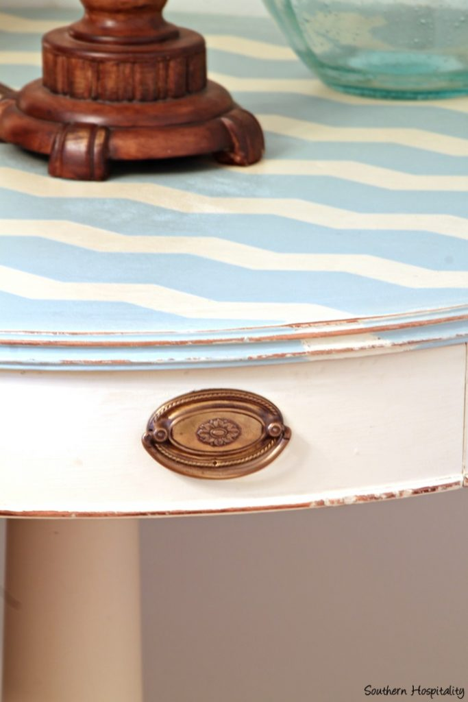 drum table close