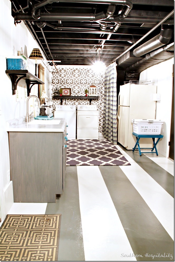 long-shot-of-laundry-room_thumb.jpg