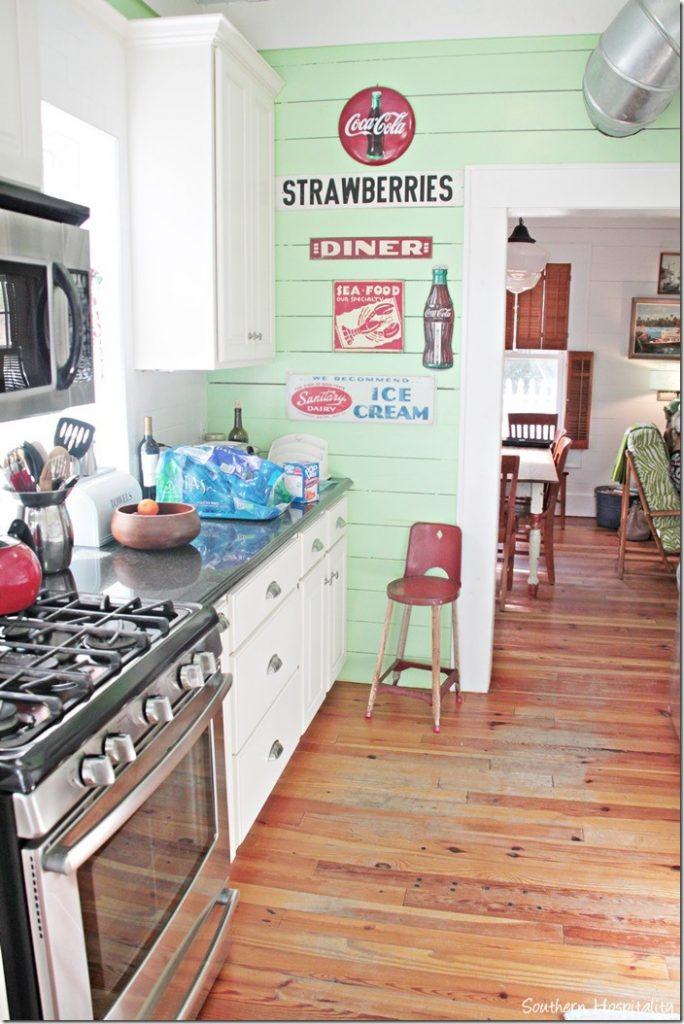 breeze inn kitchen 2