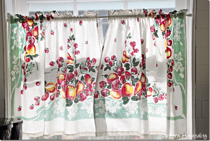 breeze inn kitchen curtain
