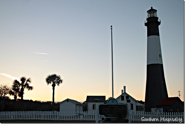tybee lighthouse sunset