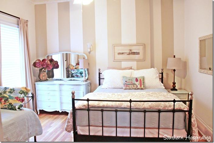 white caps 2nd bedroom