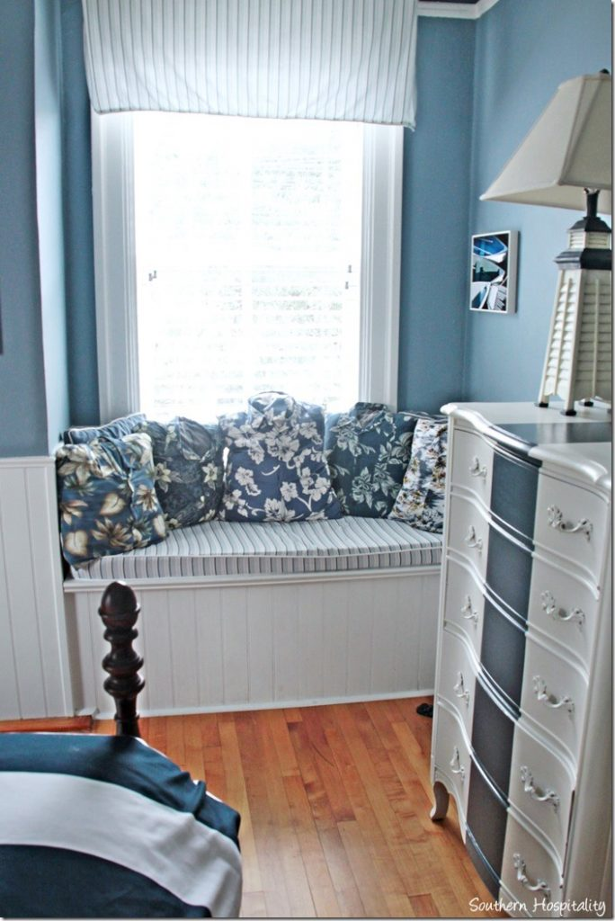 white caps blue bedroom