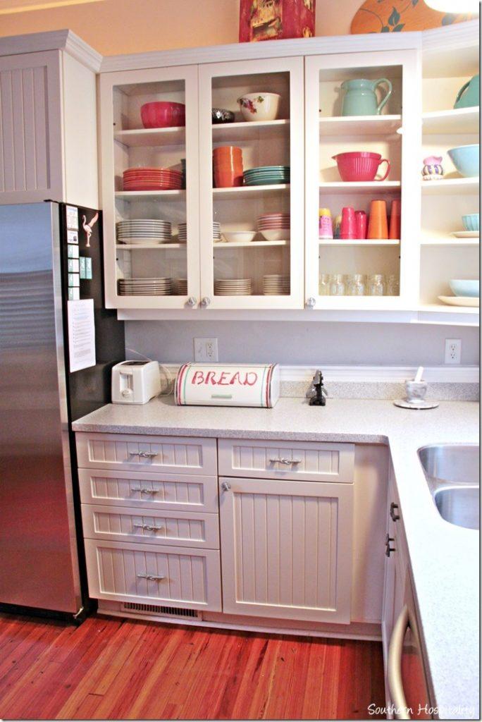 white caps kitchen 3