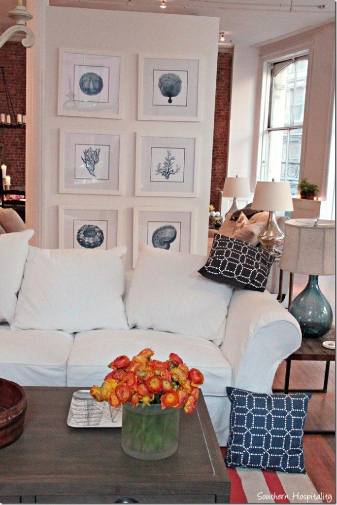 white-sofa_thumb.jpg
