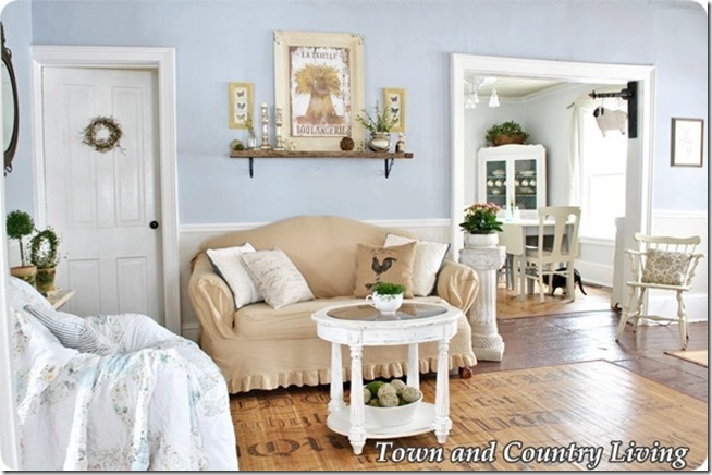 Town-and-Country-Living-Room