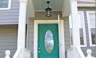 porch-with-door-painted-turquoise_thumb.jpg