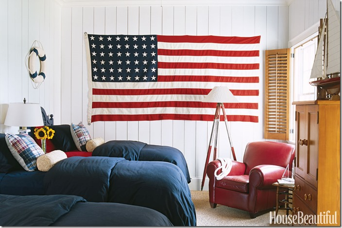 red-white-blue-bedroom-0506-xln