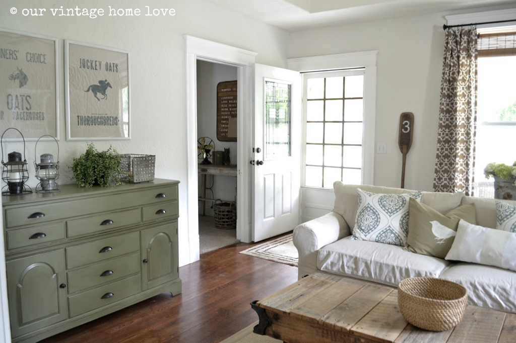 Feature Friday: Our Vintage Home Love - Southern Hospitality