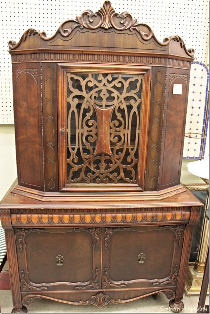 Antique Drop Leaf Table >> Queen of Hearts Antiques in Marietta - Southern Hospitality