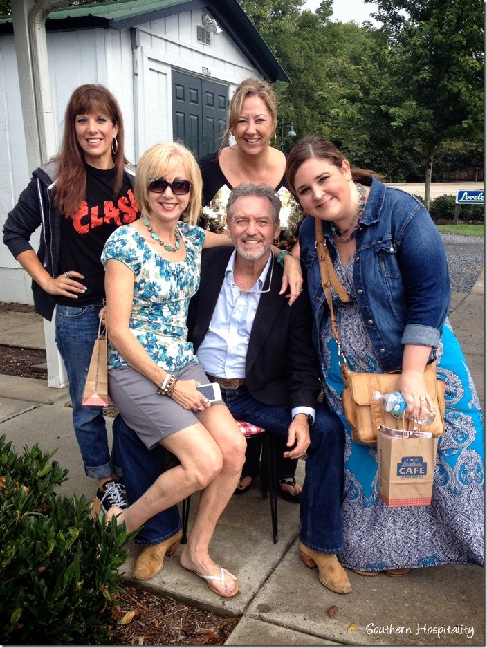 Bloggers and Larry Gatlin