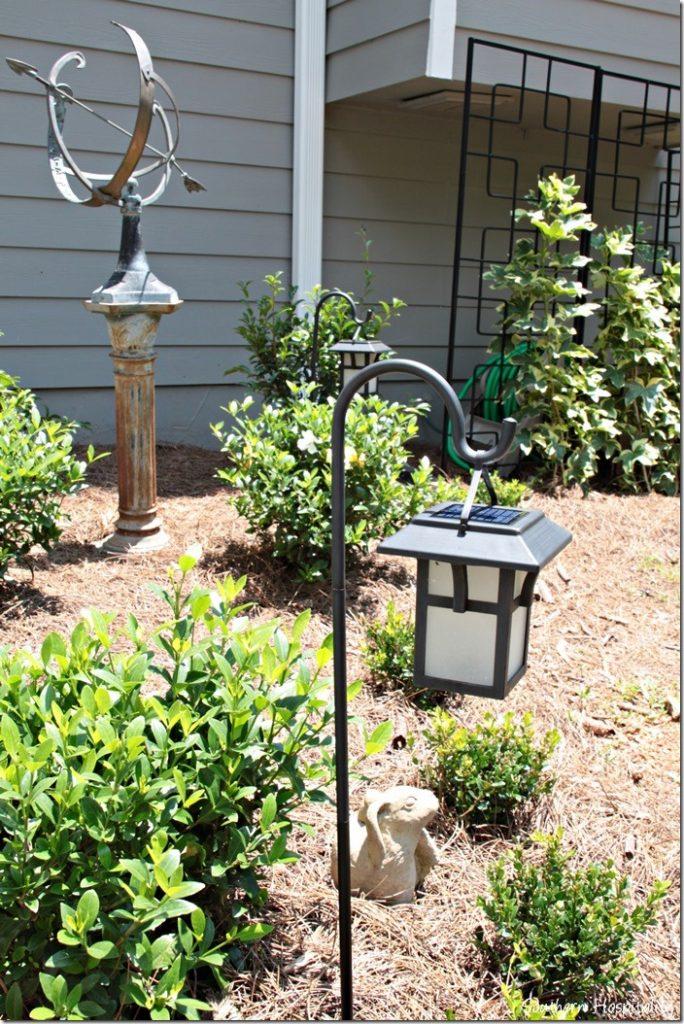 Outdoor Lantern Solar Lighting - Southern Hospitality