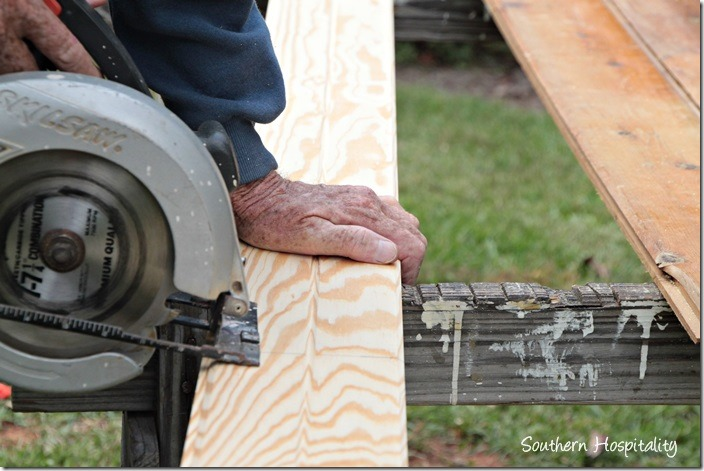cutting with skillsaw