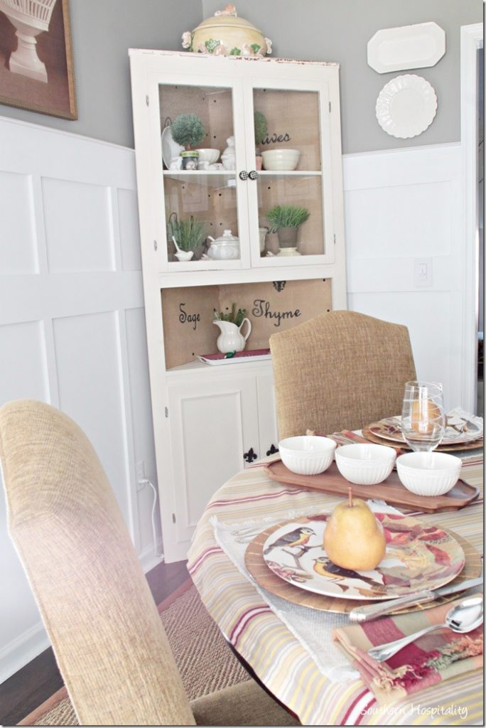 white-corner-cabinet_thumb.jpg