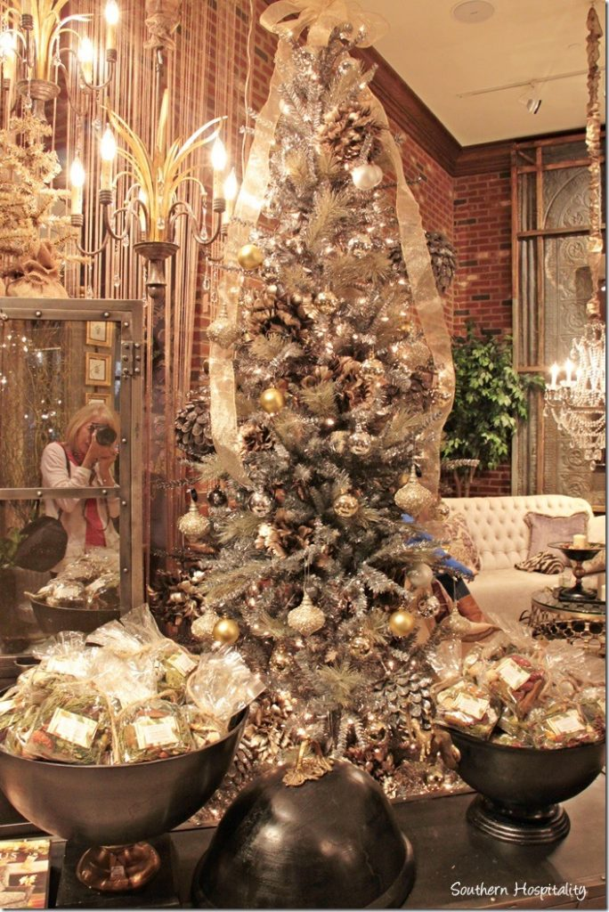 arhaus display