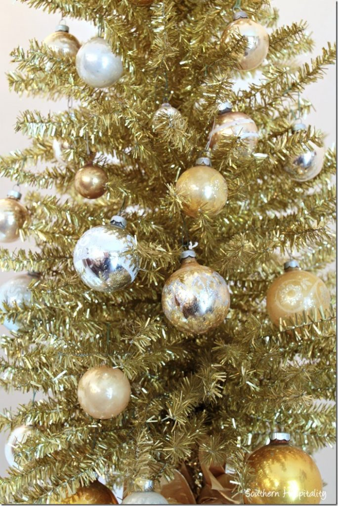 gold tree ornaments