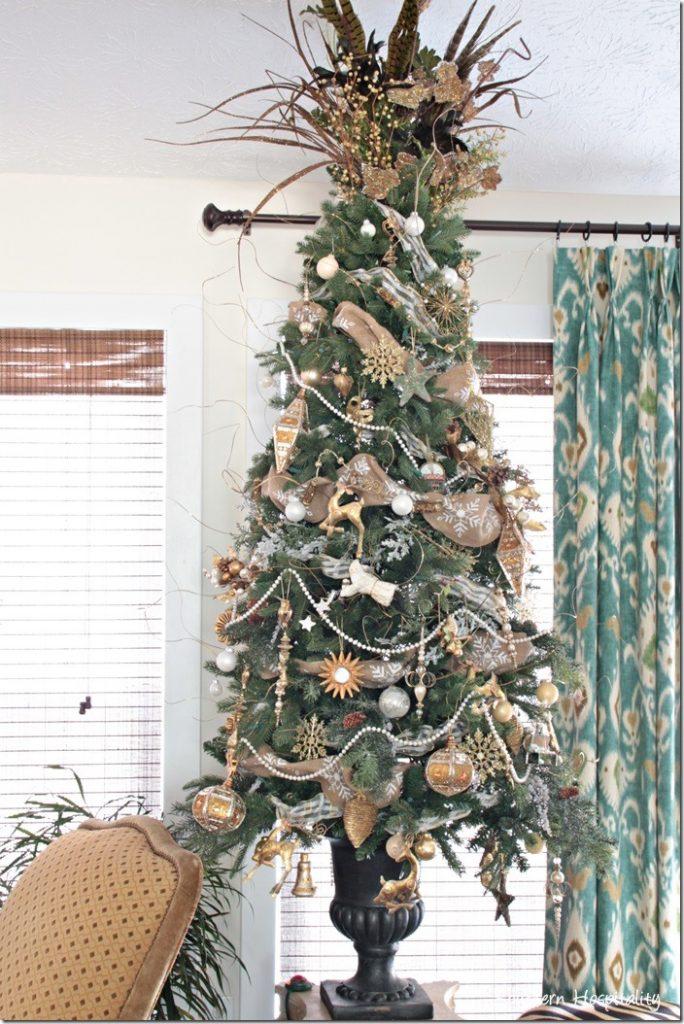 tree unlit