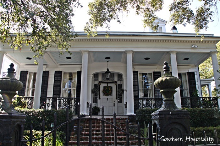 garden district walking tour new orleans southern hospitality