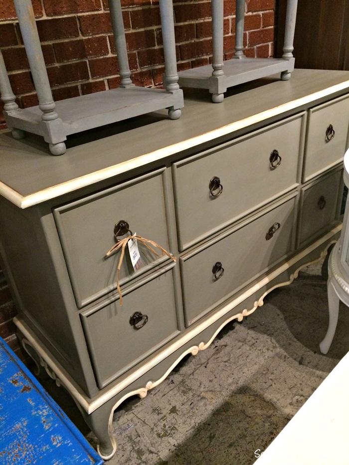 gray dresser nadeau