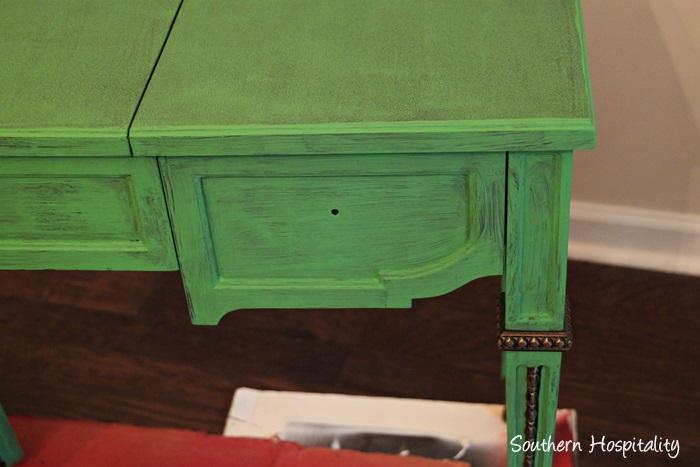 desk detail (2)