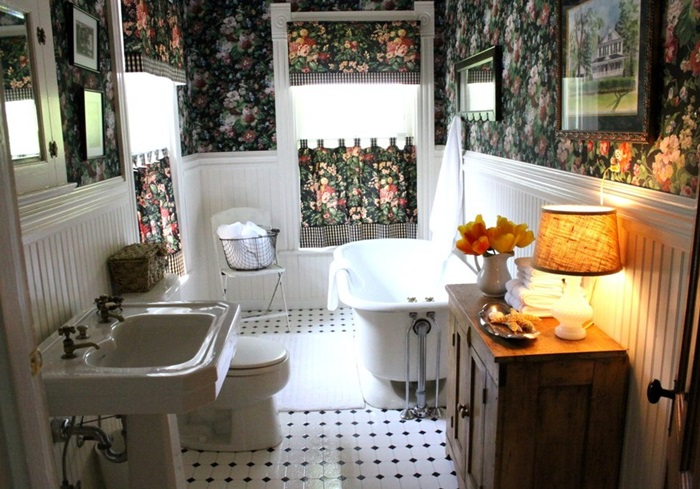 boys room bath 2 057