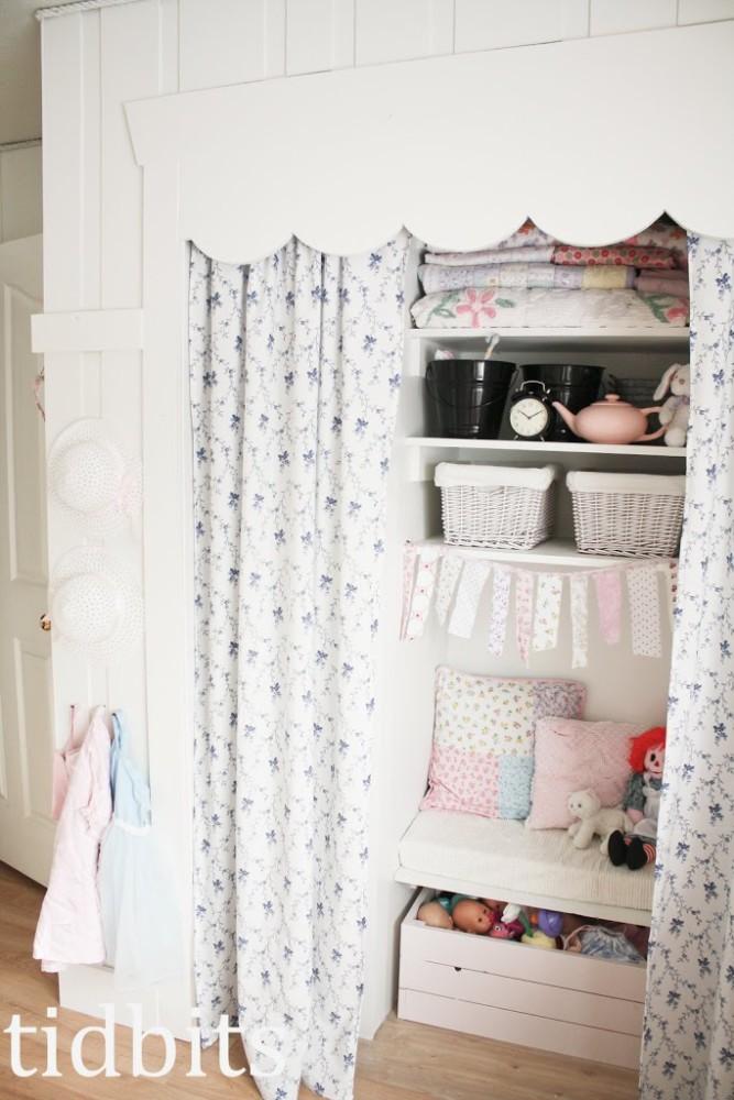 shared girls room closet