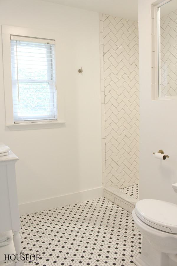 black-and-white-modern-bathroom-7
