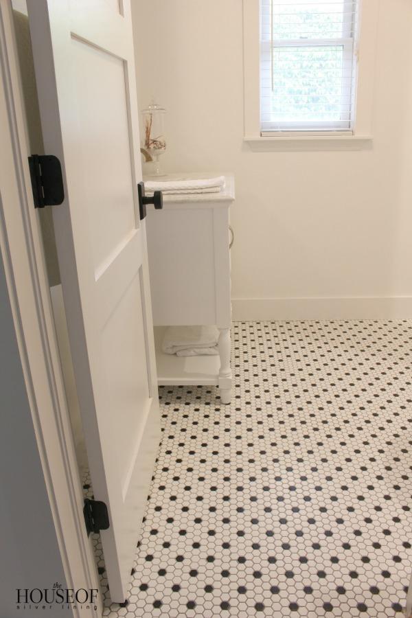 black-and-white-modern-bathroom-8