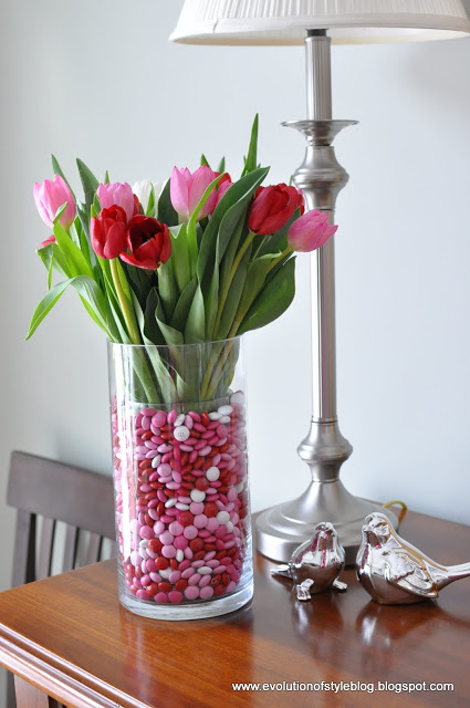 valentines vase with candy