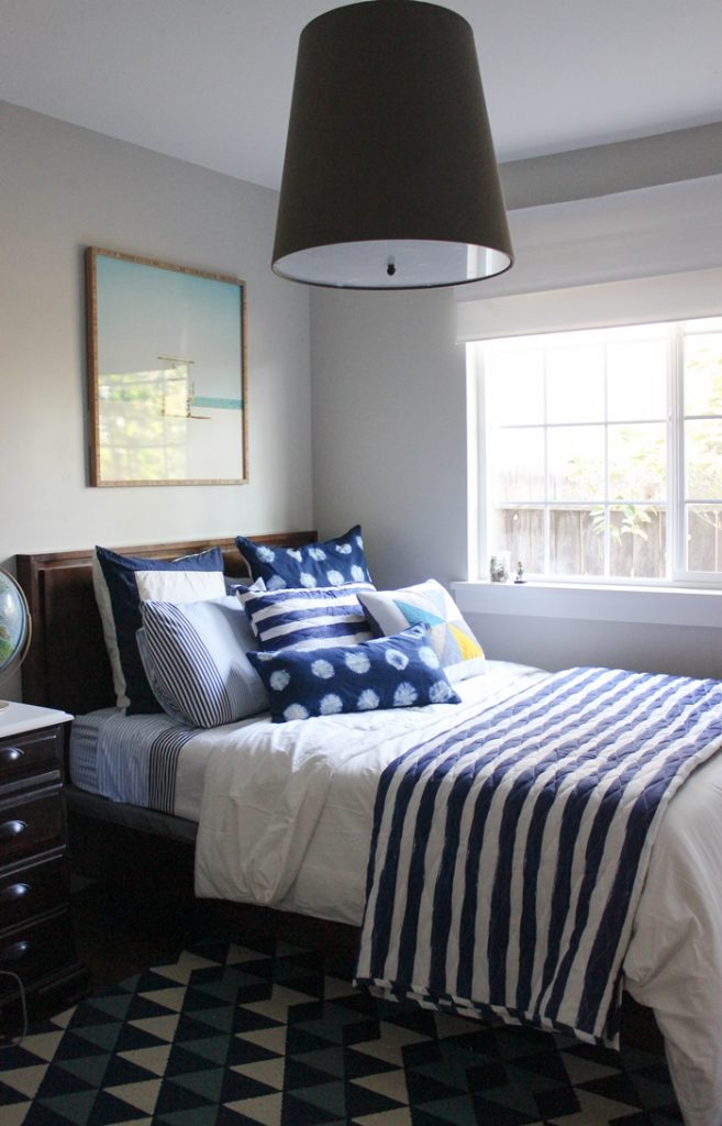 Feature friday chic little house southern hospitality for Well decorated bedroom