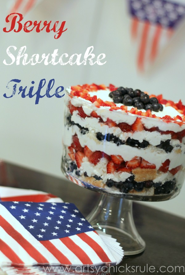 Berry-Shortcake-Trifle-Red-White-Blue-Dessert-artsychickrule.com-trifle-berry-dessert-recipe-patriotic-600x894