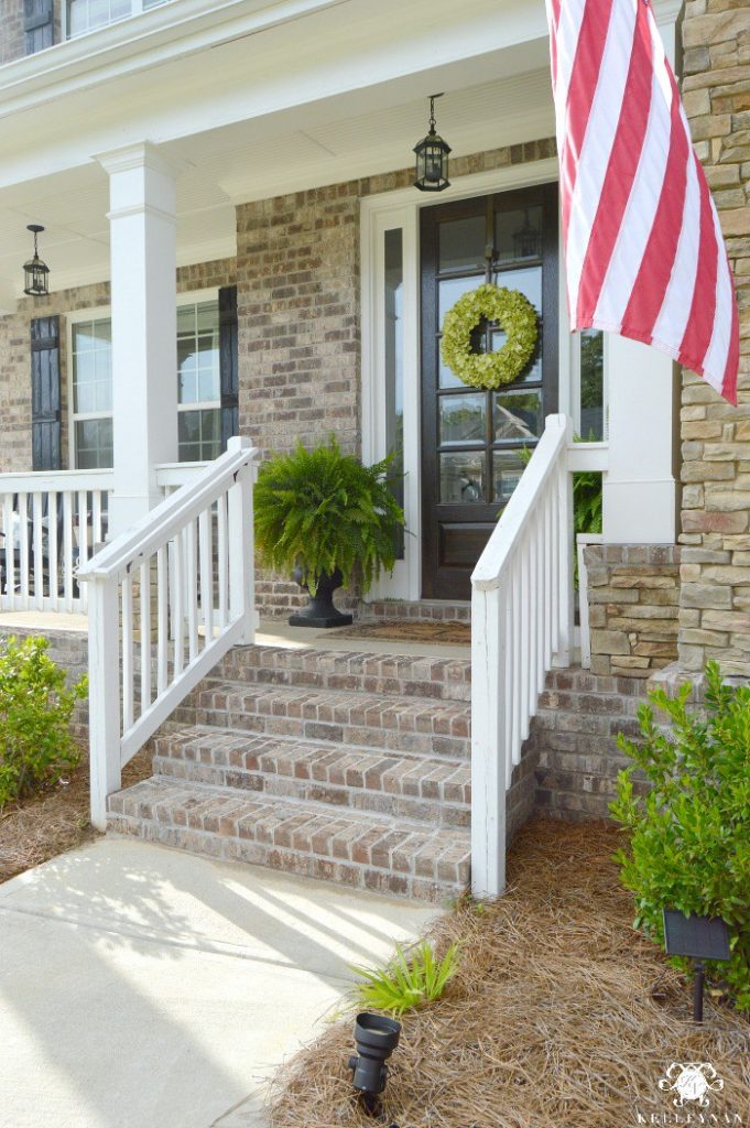 Feature friday kelley nan designs southern hospitality for Southern front porches