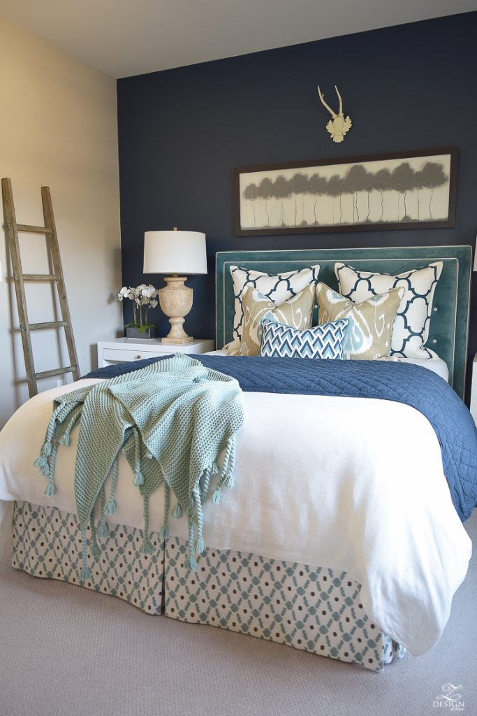 Feature friday z design at home southern hospitality for Blue guest bedroom ideas
