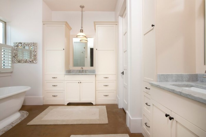 lighhouse-master-bath-2-e1446816469216
