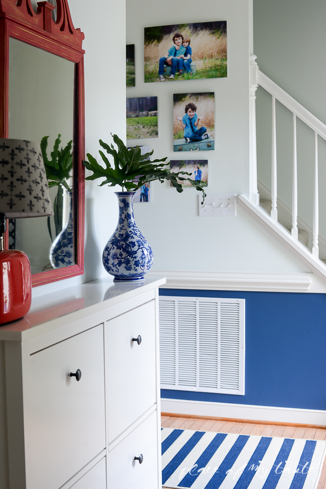 Pop-of-color-in-the-hallway-3